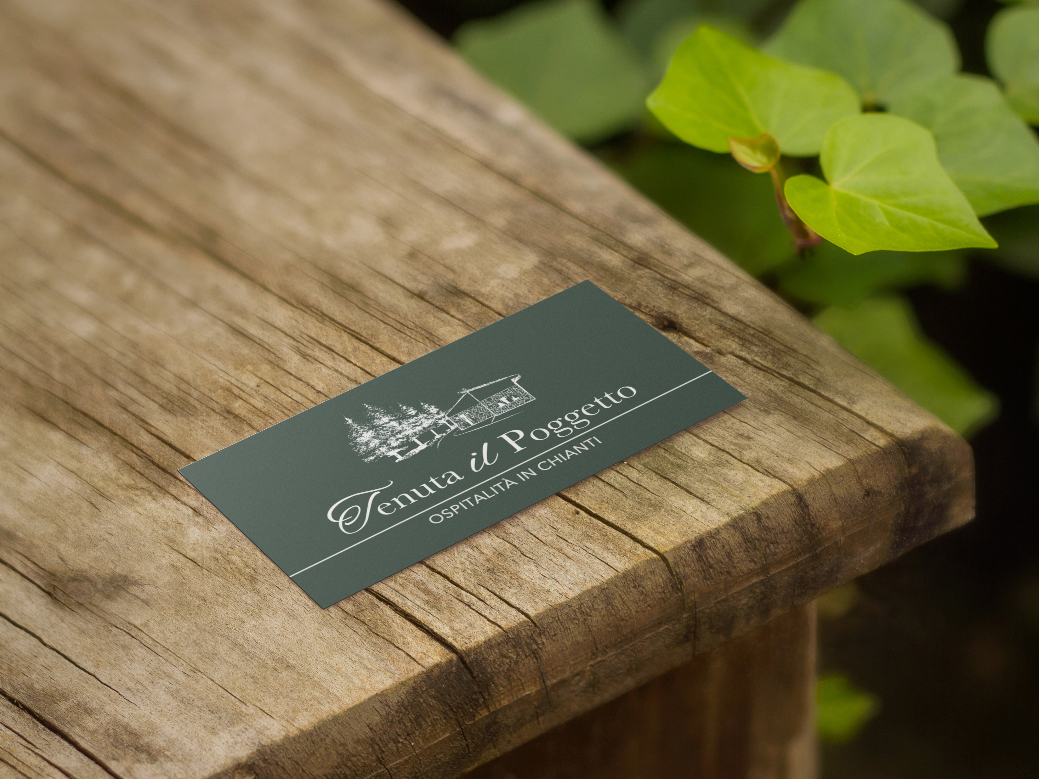 business-card-in-wooden-table